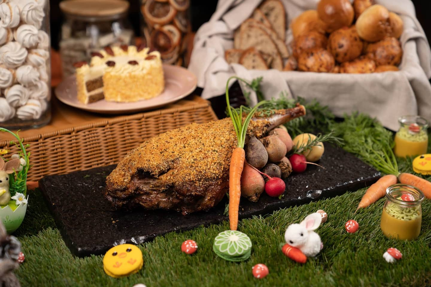 Enjoy the springtime holiday with an Easter themed brunch buffet at FEAST on 2 – 6 April from 11:30am – 2:30pm.  Special cocktails for adults and a decorated Kids Corner for children will also be available.  For details and reservations, please call FEAST team at 3968 3777 or email feastreservations@east-hongkong.com  #EatatEAST #atEAST #EASTHongKong #FEAST