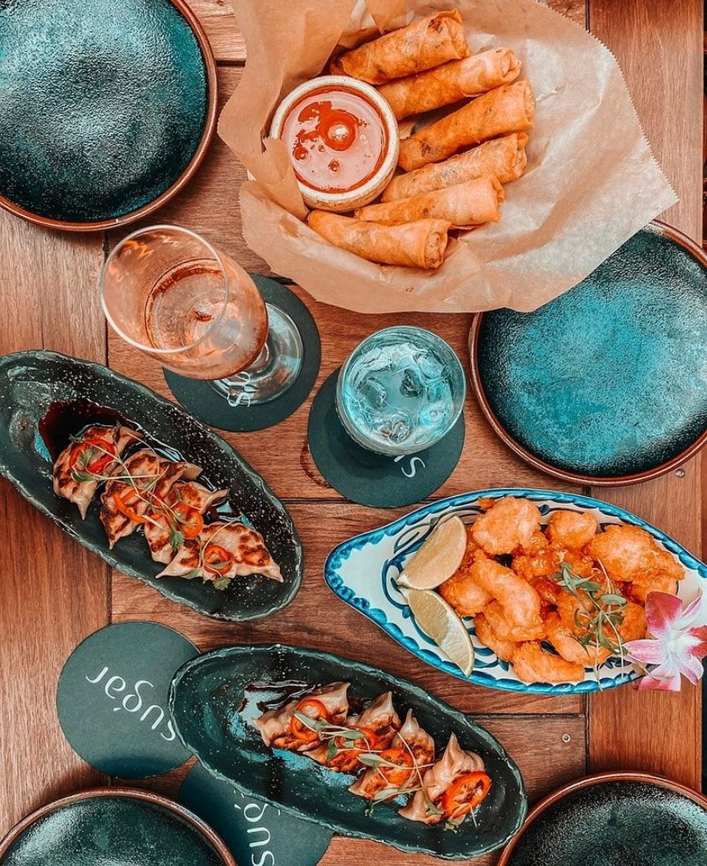 Today calls for Asian-tapas, cocktails and sunset colors at #SugarMiami. Open daily at 4pm.  📸: @thebrickellscoop  . . . #atEAST #EASTMiami #EASThotels #BrickellMiami #travel #getaway #vacation #ilovetravel #jetsetter #holiday #miamihotels #travelpics #passportready #miamilife #instavacation #wanderlust #luxurytravel #letswander #globetrotter #travelgram #luxuryworldtraveler #beautifuldestinations #letsgosomewhere #brickelllife #Miami #brickell #brickellliving #SwireHotels